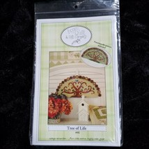 Tree of Life PUNCHNEEDLE & WOOLIE Pattern #102 Acorn Quilt & Gift Co UNCUT - $13.08