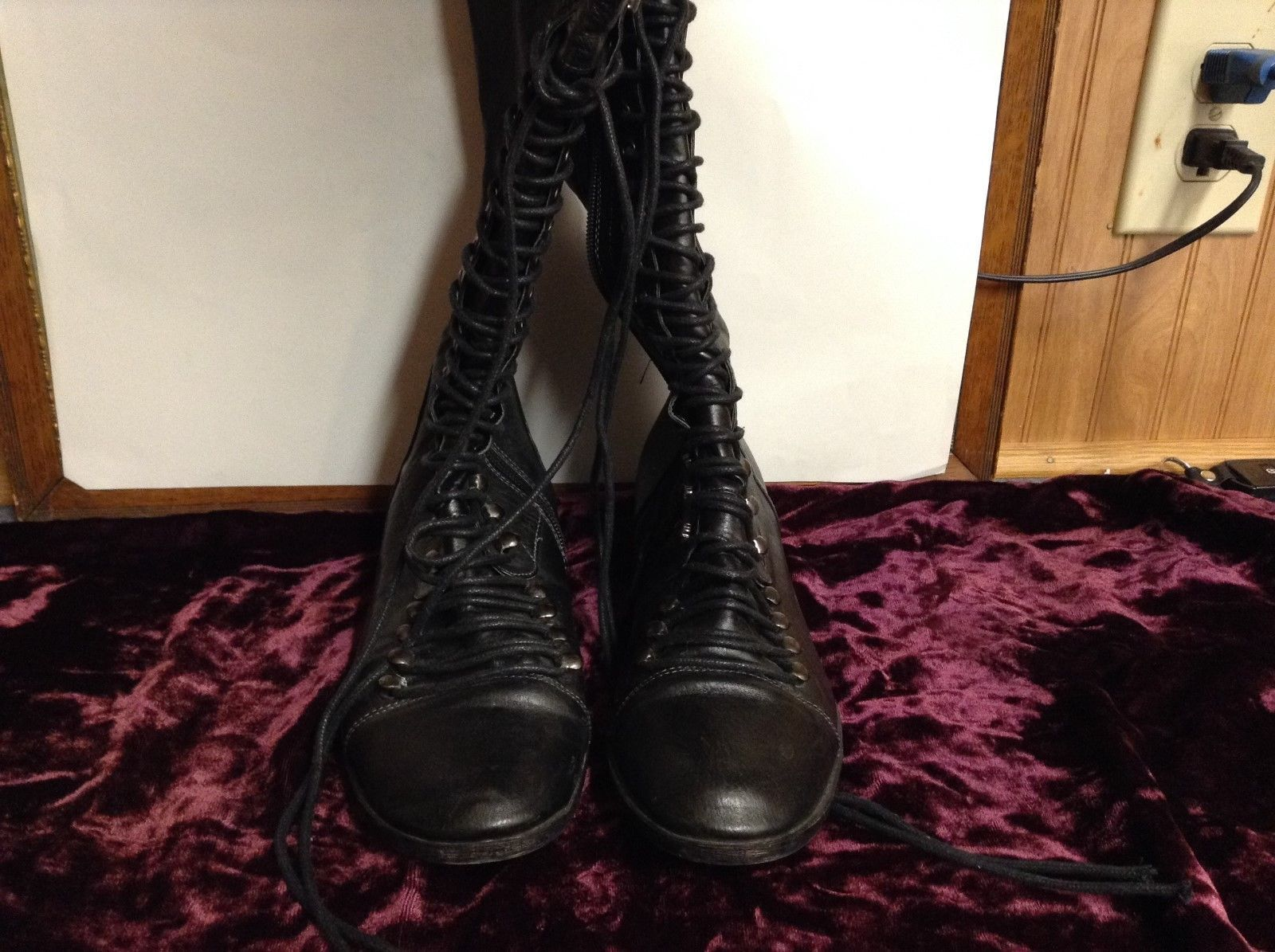 Steve Madden Ladies Black Knee High Leather Boots Sz 8