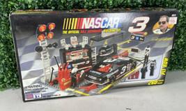 Vintage Mega Bloks 9911 NASCAR Dale Earnhardt Sr. #3 Pit Row Building Se... - $34.64