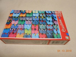 New puzzlebug 650 pieces puzzle Lots of flip flops sandals Stocking stuf... - $6.92