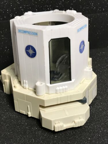 STARCOM 1986 STARBASE Command Decompression Chamber Unit Coleco