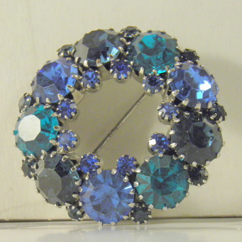 d and e for Weiss shades of blue green rhinestone rhodium wreath brooch 3029