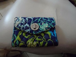 Vera Bradley turnlock wristlet in Katalina Blues - $16.00