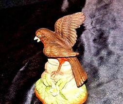 Robin Bird FigurineAA18-1236 VintageCeramic image 4