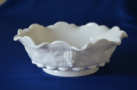 "Westmoreland Glass Paneled Grape 1881 Lipped Bowl Ruffled Rim 9 1/2"" - $15.84"