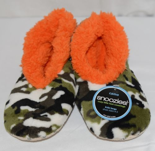 Snoozies KCM007 Foot Coverings Green Camo Orange Size Kids 4 And 5