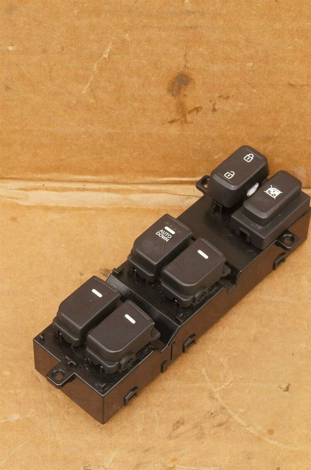 14-15 Kia Optima Driver Door Power Window Master Switch