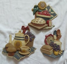Vtg Home Interiors 3 Kitchen Wall Plaques 3373 Pie Teapot Bread Farmhous... - $15.00