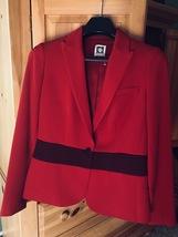 Anne Klein tailored, fashionable stretch two tone red blazer. Size 6 - $25.99