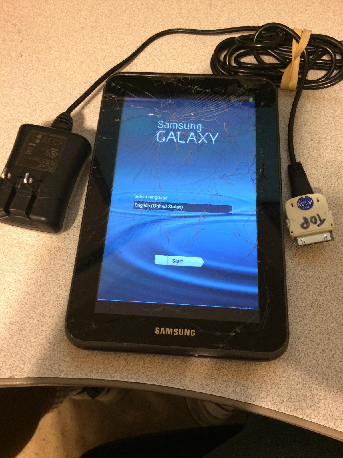 Samsung Galaxy Tab 2 GT-P3113TS 8GB Wi-Fi  7in. Silver Cracked Screen, Works