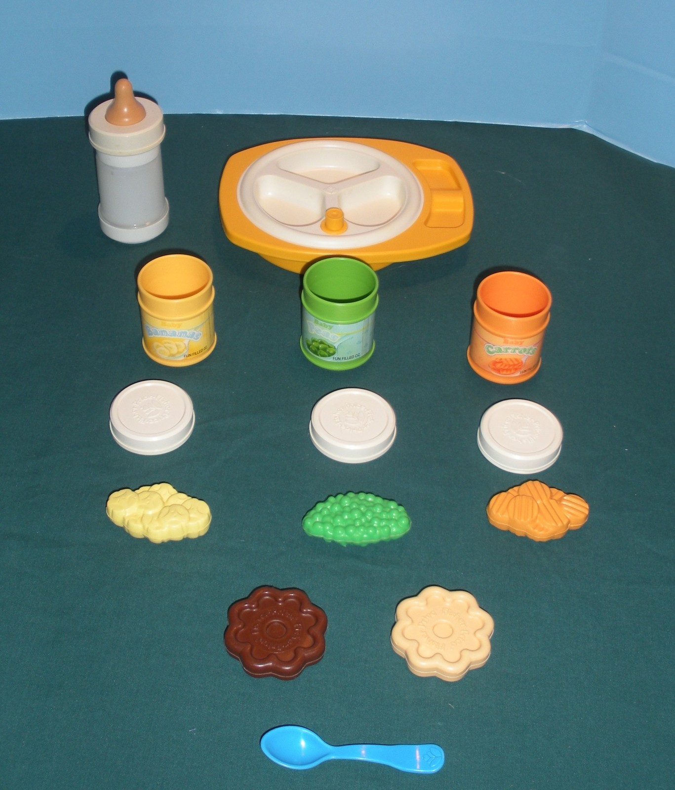 Vtg. Fisher Price Fun with Food #2150 Baby's Mealtime 99% Comp./NR MT-MINT! (N)