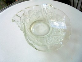 "Indiana Glass Frosted Fruit Garland 7"" Bent Bowl - $9.90"