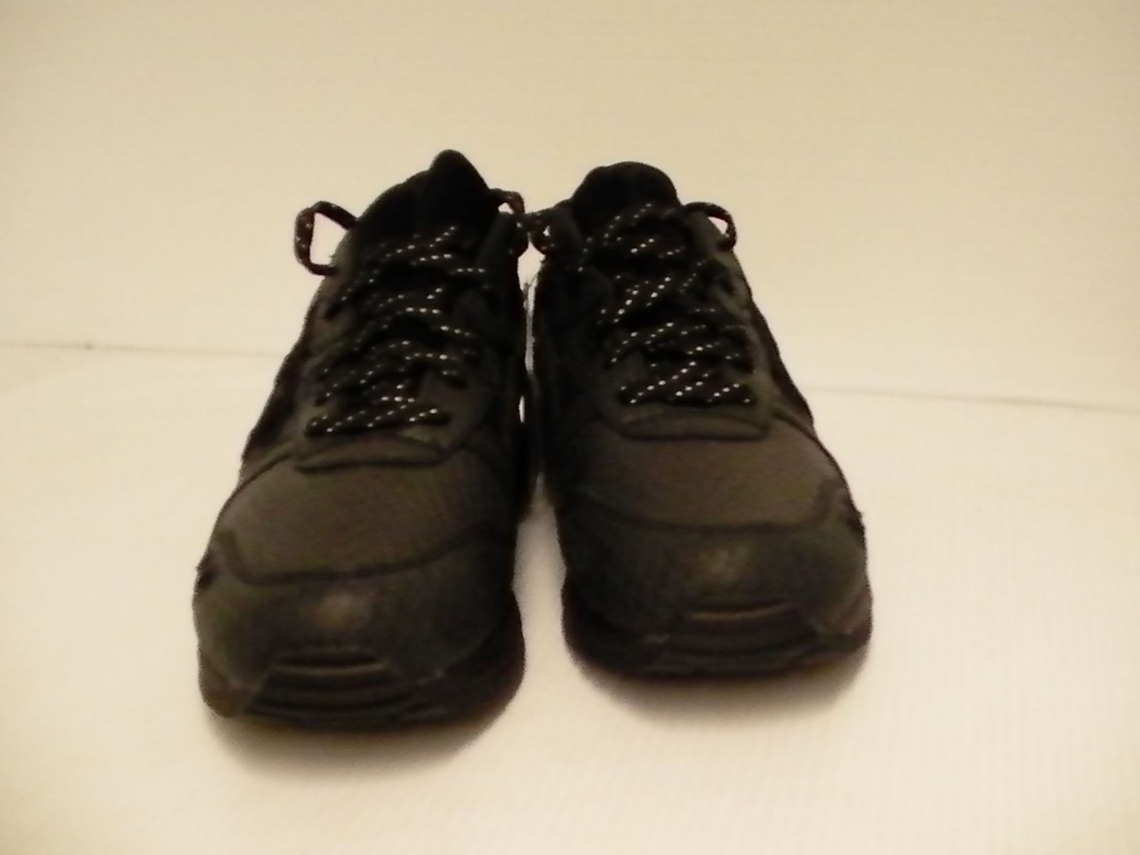asics leather trainers for men size 9.5