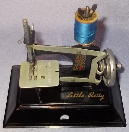 Primary image for Vintage Little Betty Child's Black Toy Sewing Machine England Complete Operates