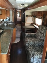 2004 Country Coach Intrigue 42 FOR SALE IN Waco, TX 76706 image 8