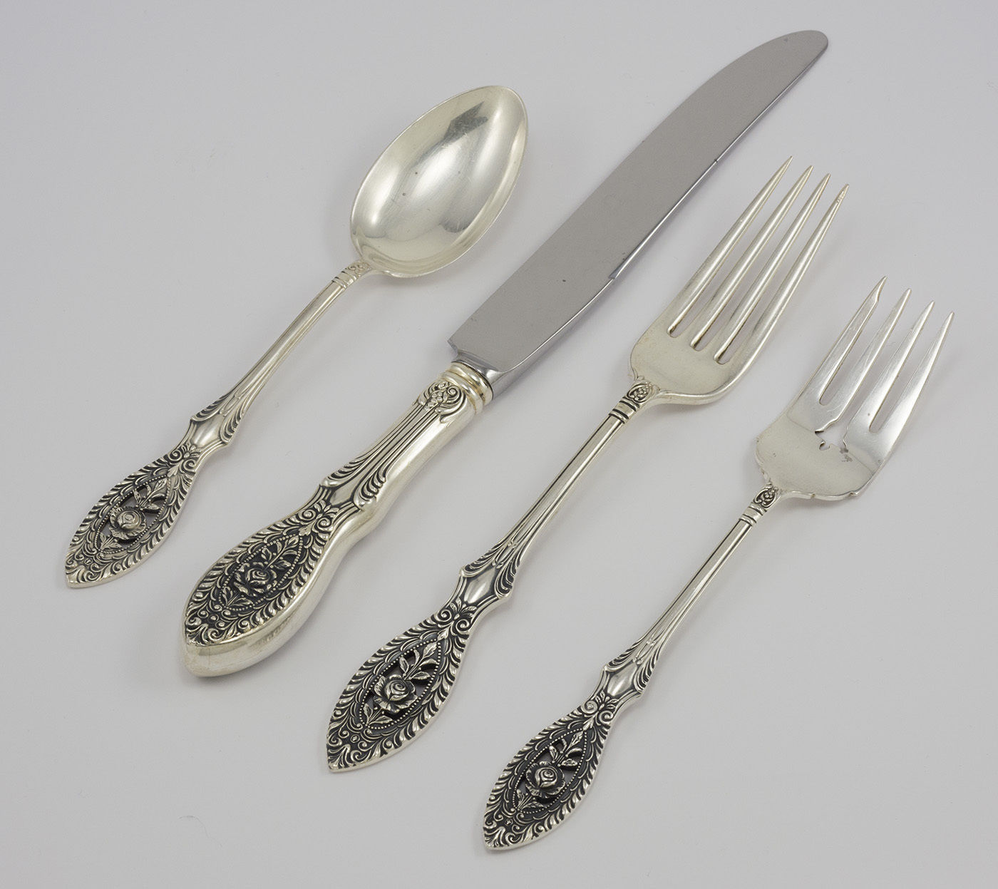 Primary image for Valenciennes by Manchester Sterling Silver Regular 4 Piece Flatware Set, No Mono