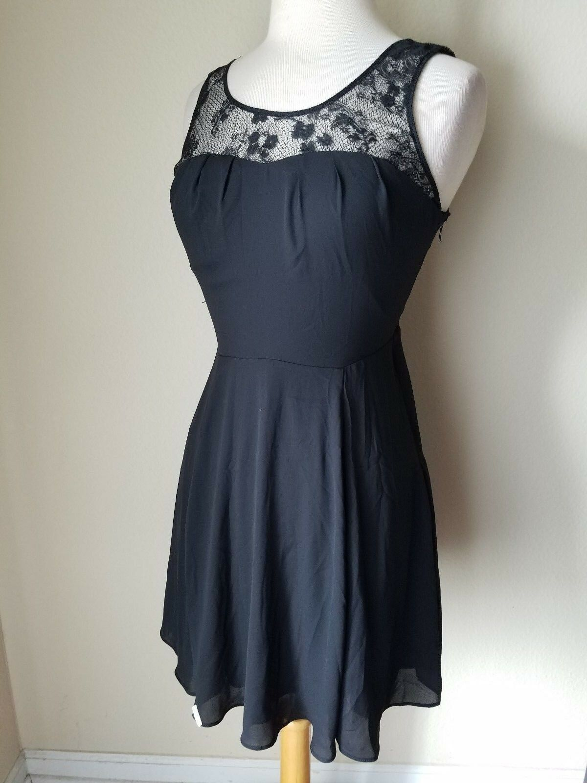 NWT Express Women's Cocktail Dress Black Lace Top Sleeveless Mini Empire Waist 4