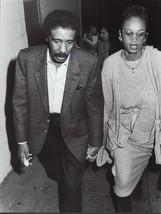 Richard Pryor w/ wife  - professional celebrity photo 1986 - $6.85