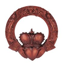 Celtic Claddagh Plaque Home Decor Statue Made of Polyresin - €14,66 EUR