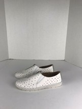 womens earth shoes size 11 B White Slip On Zip  - $40.79