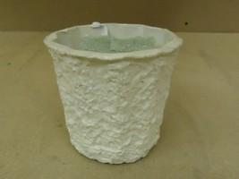 Standard Flower Pot With Foam 6in Diameter x 5 1/2in H White Cardboard - $12.52