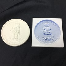Goebel Hummel Club Celebrating 20 Year 1977-1997 Ceramic Medallion Plate - $15.83