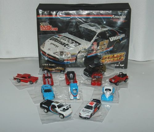 Amoco Racing Street Wheels Champions 12 Car Set 24 Piece Casing Case