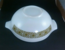 Pyrex verde green 4qt bowl 444 - $14.52