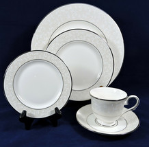 Lenox Opal Innocence 5 Piece Place Setting Dinner Salad Bread Plates Cup Unused - $36.99
