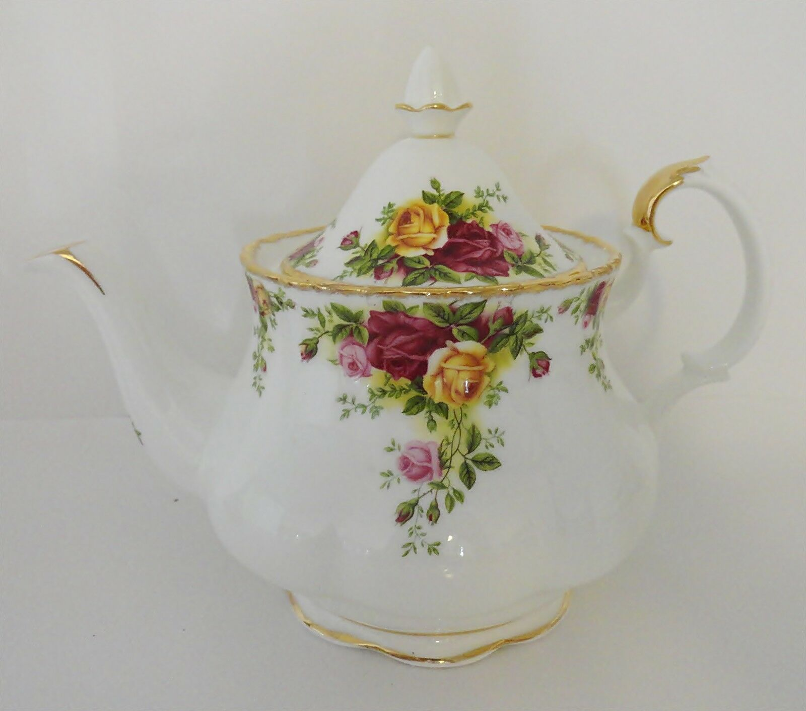 Primary image for Royal Albert Old Country Roses Bone China Teapot Holds 6 Cups