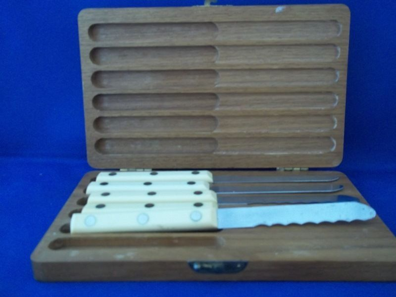 Vintage Bakelite Kitchen Knife Set in Wooden Box - $20.00