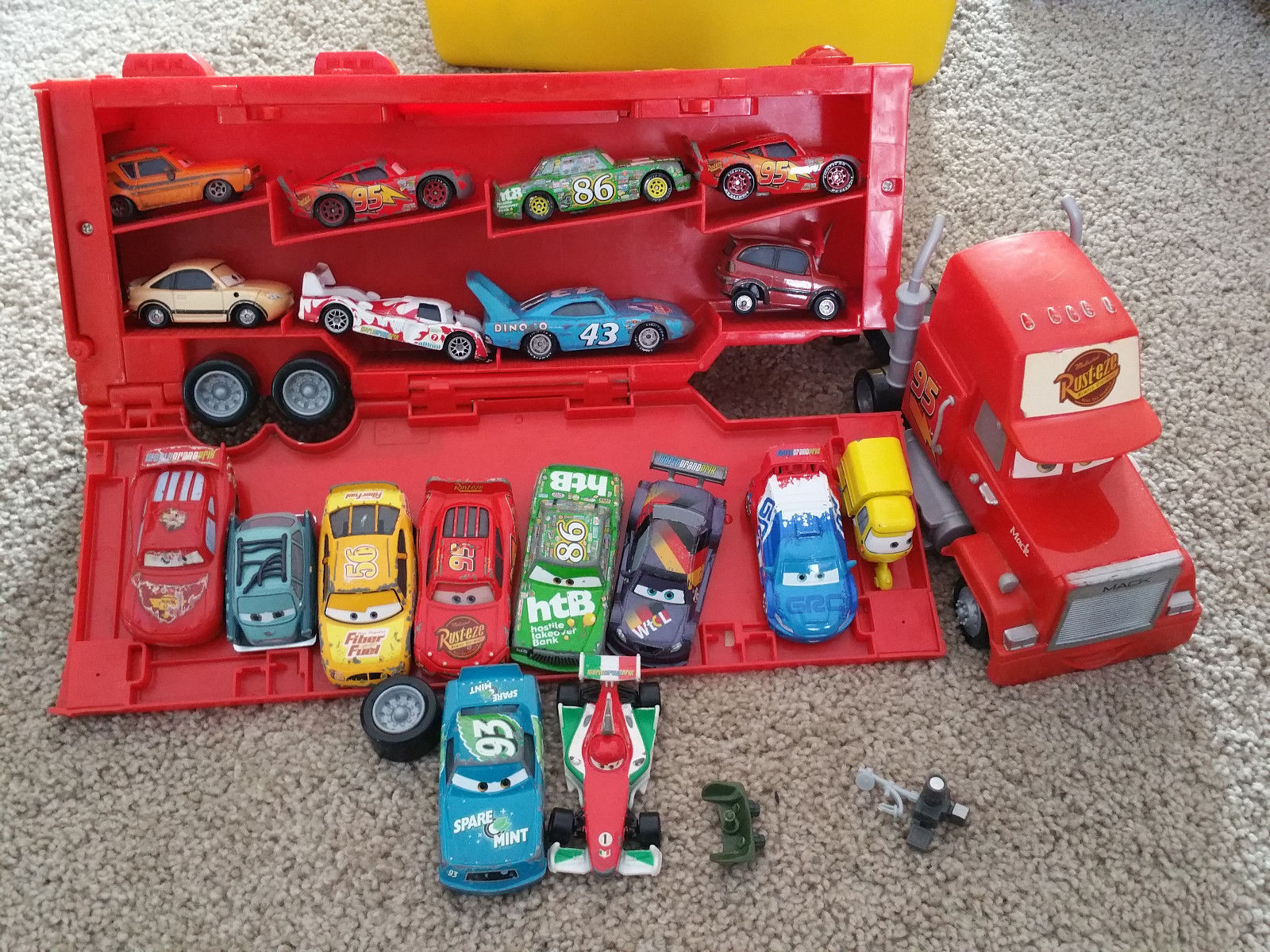 HUGE Disney Pixar CARS Lot Tokyo Drift Spinout Mack Mader McQueen +MORE! 26 Cars