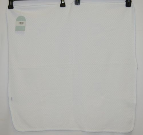 Paty Inc 107XB White With Blue Picot Trim Square 26.5 Inches Each Side