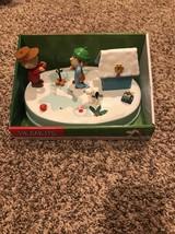 Peanuts Animated Table Piece Christmas Musical Lights Charlie Brown Linu... - $24.18