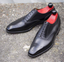 Handmade Men's Black Leather Heart Medallion Dress/Formal Oxford Shoes image 1