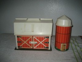 Vintage Fisher Price Little People Play Family Farm #915 Silo - $24.74