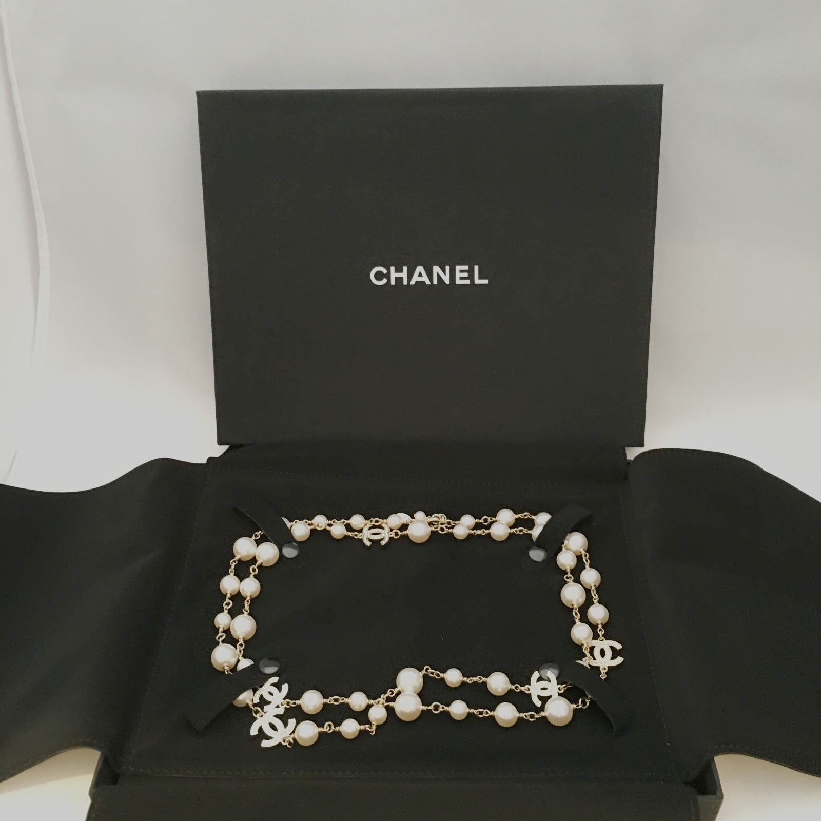 Authentic CHANEL Classic Pearl 5 CC Logo Dual Sided Crystal Necklace Gold Tone