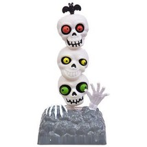 Solar Powered Moving Dancing Halloween Skeleton Bug Eyed Totem Pole SKULLS - $10.92