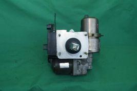 01-02 Toyota 4Runner Abs Brake Master Cylinder Pump Assembly Controller Module image 7