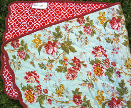 Waverly MAY MEDLEY Reversible Scalloped Table Runner 13x32 Red Green USA MADE - $18.00