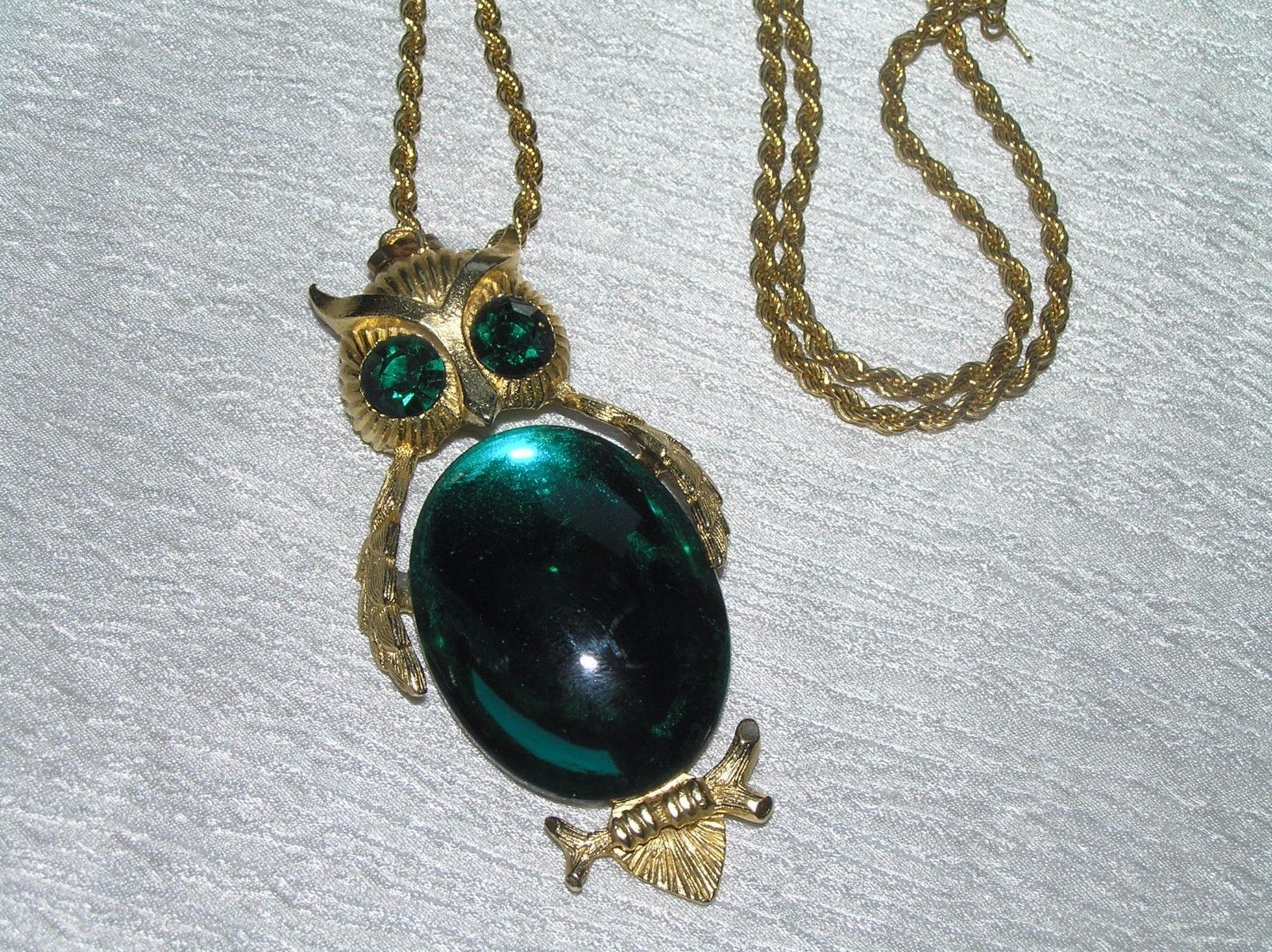 Vintage Monet Signed Twist Goldtone Chain w Large DODDS Green Jelly Belly OWL