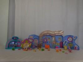 LPS Littlest Pet Shop Lovin Playhouse Play Set +  Panda Mall + Rare Yellow House - $33.68