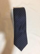 Van-Heusen Stain Resistant  Men Tie Black White Striped Size 57 Lengh 3i... - $14.01