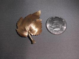 Vintage Satin Matte Gold Tone Ornate Leaf Pin Brooch image 3