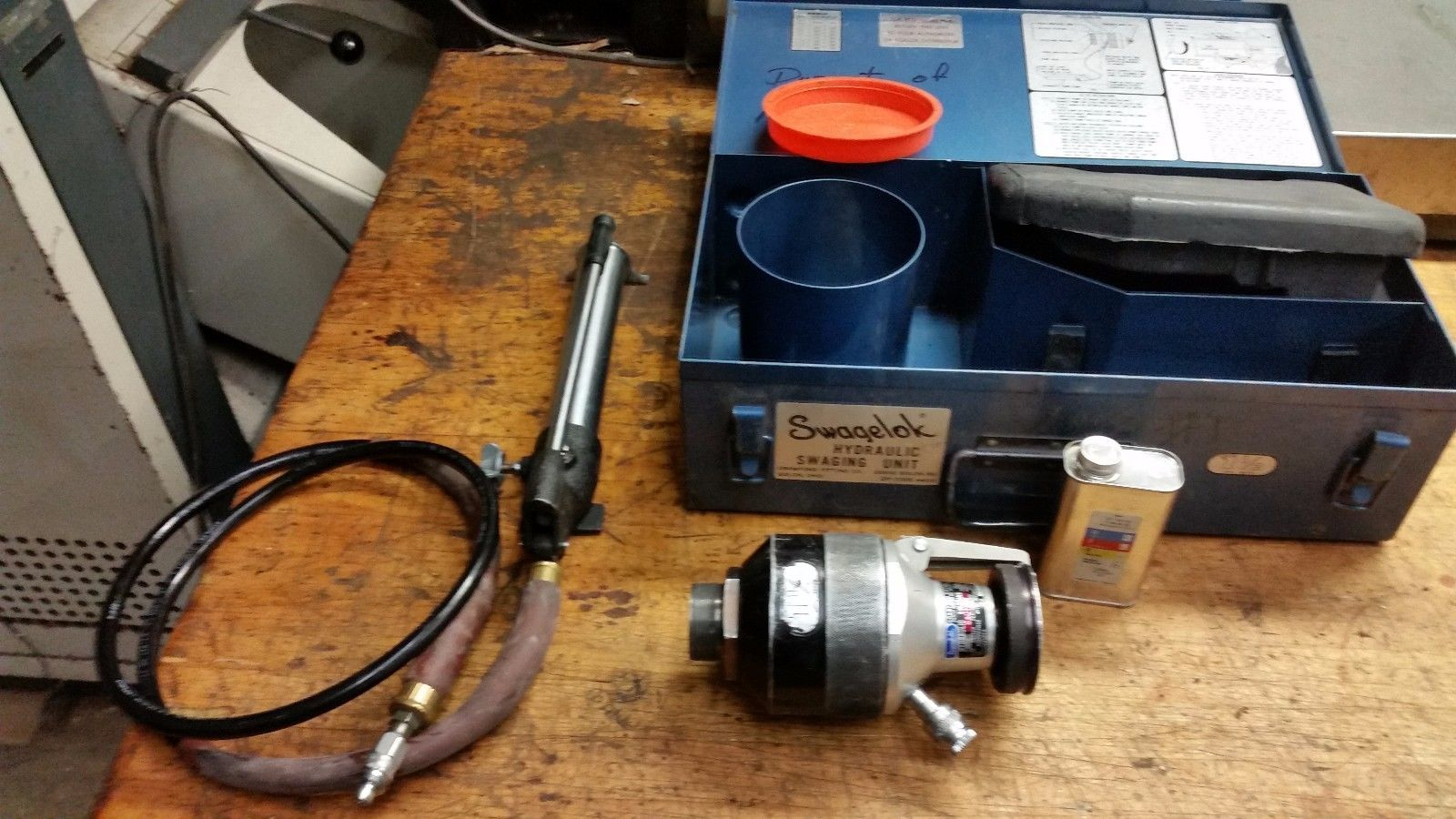 "Swagelok HYDRAULIC TUBE SWAGING TOOL 1-1/2"" 2400 SERIES WITH PUMP"