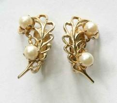 "Elegant Cultured Pearls Gold-tone Leaf Clip Earrings 1960s  vint. 1"" - $12.30"
