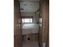 2019 COACHMEN LEPRECHAUN 311FS For Sale In Cincinnati, OH 45247 image 5