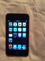 Apple iPod touch 2nd Generation Black (32GB) MB533LL Cracked Screen - $19.79