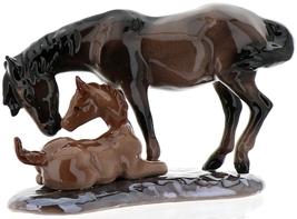 Hagen-Renaker Specialties Ceramic Horse Figurine Mustang Mare with Colt