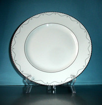 Waterford Marc Jacobs Colette Dinner Plate Platinum Trim Made in UK New - $26.90
